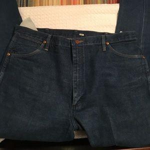 Wrangler 40x34 straight leg jeans